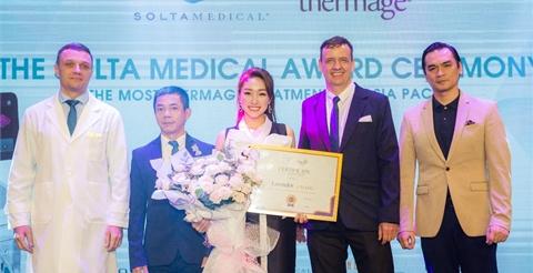 """Lavender By Chang nhận """"cú đúp"""" giải thưởng Top 1 trẻ hóa da công nghệ cao"""